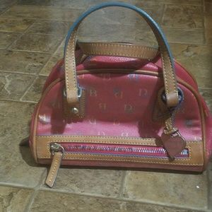 DOONEY AND BURKE SMALL LEATHER BAG